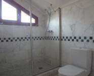 Ref 448 La Finca no83 10 – Bathroom upstairs no77