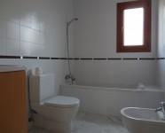 Ref 448 La Finca no83 9 – Bathroom downstairs no77