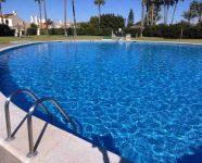 el faro pool