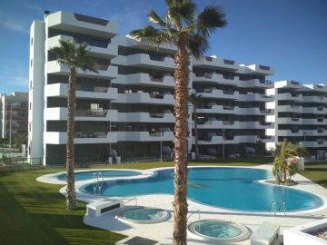 2 Persoonsbed Modern.Modern 2 Slpk Appartement Te Huur In Arenales Playa 9 Te Arenales