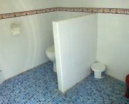 buiten toilet en douche (1)